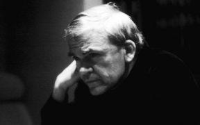 Milan Kundera gana premio Franz Kafka 2020