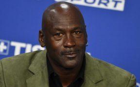 Michael Jordan es dueño de los Hornets de Charlotte en la NBA y ahora será dueño de un auto en NASCAR. (Foto: EFE)