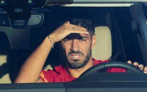 El futuro de Luis Suárez está en el Atlético de Madrid, que llegó a un acuerdo con el Barcelona por su pase. (Foto: EFE)