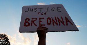 Liberan a expolicía involucrado en la muerte de Breonna Taylor tras pago de fianza