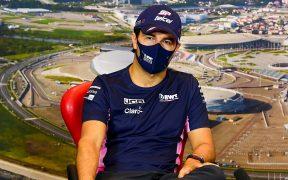 'Checo' Pérez habló en la conferencia previa al Gran Premio de Rusia. (Foto: EFE)