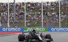 Lewis Hamilton logró la 'pole position' y saldrá primero en Rusia. (Foto: EFE)