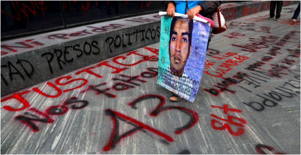 Suman 80 detenidos por el caso Ayotzinapa