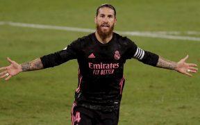 Sergio Ramos celebra el gol del triunfo del Real Madrid ante Betis. (Foto: EFE)