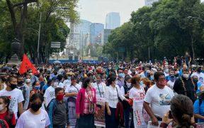 Familiares de normalistas desaparecidos marchan en la CDMX