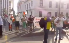 FRENAA se manifiesta en Veracruz contra AMLO.