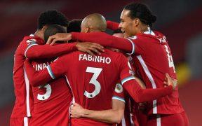 Los jugadores del Liverpool celebran el triunfo sobre el Arsenal en Anfield. (Foto: Reuters)