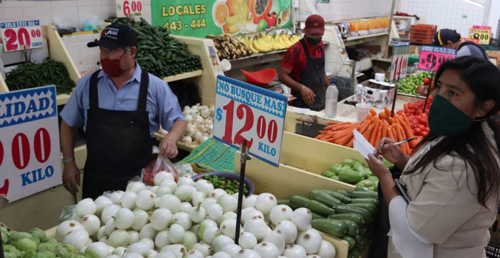 La canasta alimentaria del país se encareció 5.42% anual durante mayo, informa el Coneval
