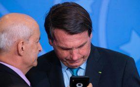 """Bolsonaro afirma que no aceptará """"amenazas cobardes"""" de Biden"""
