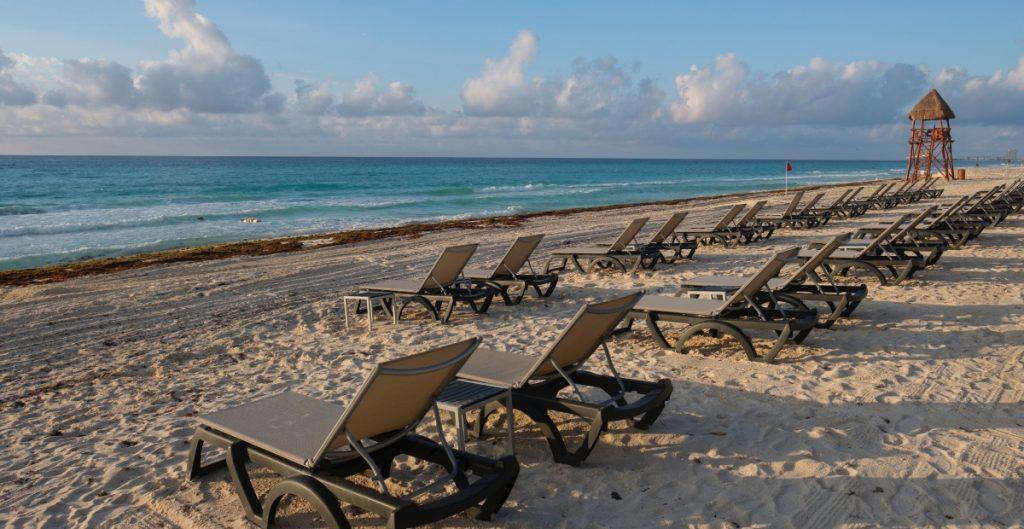 Senado aprueba multas para quien impida ingreso a playas.