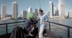 Brozo recibea Loret en su barco pirata de Miami, Florida