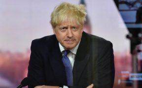 Johnson pide mantener equilibrio entre salvar vidas y proteger la economía