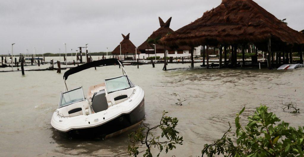 Árboles caídos, vientos fuertes y sin electricidad, así se vivió 'Delta'