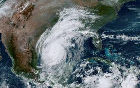 """El huracán """"Delta"""" se fortalece a categoría 3 en costas de Tamaulipas"""