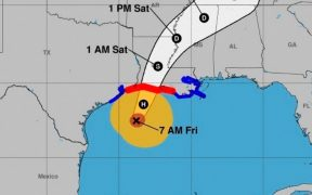 El huracán 'Delta' se degrada a categoría 2 mientras se acerca a Louisiana
