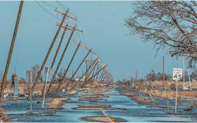 Delta dejó inundaciones, cables caídos y postes derrumbados en Louisiana