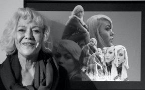 Margaret Nolan, la chica dorada en 'Goldfinger', fallece a los 76 años