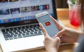 YouTube prohibirá videos que promuevan desinformación sobre la Covid