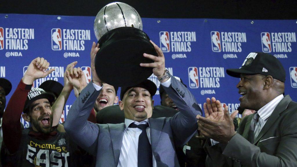 Ty Lue, quien ya dirigió a los Cavaliers, entrenará a los Clippers.