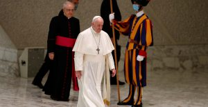 Vaticano confirma un caso de Covid-19 en residencia del papa Francisco
