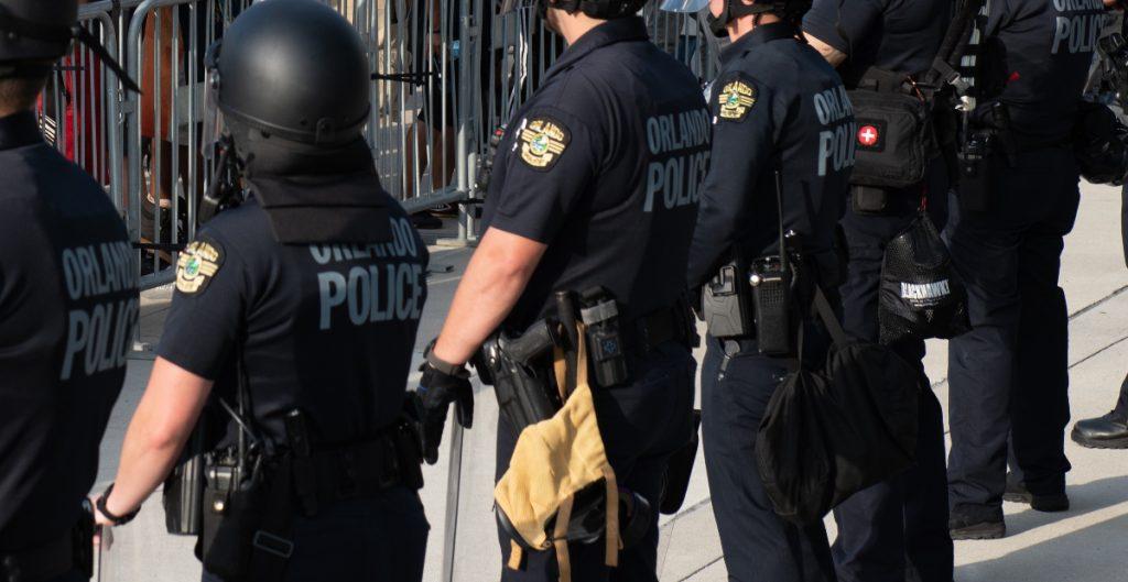 Jueza niega que Policía que golpeó a adolescente alegue defensa propia