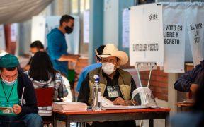 """INE reporta jornada electoral """"sin incidentes"""" en Hidalgo y Coahuila; una urna fue quemada"""