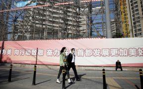 Economía de China crece un 4.9% en tercer trimestre, pero no cumple con expectativas