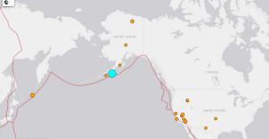Sismo de 7.5 grados sacude a Alaska; hay alerta de tsunami
