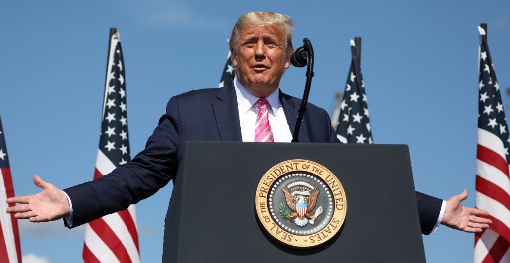 """Es """"estúpido"""" hacer tantas pruebas de Covid: Trump tras récord de casos"""