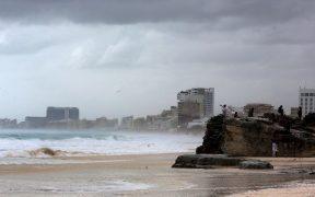 Zeta se degrada a tormenta tropical