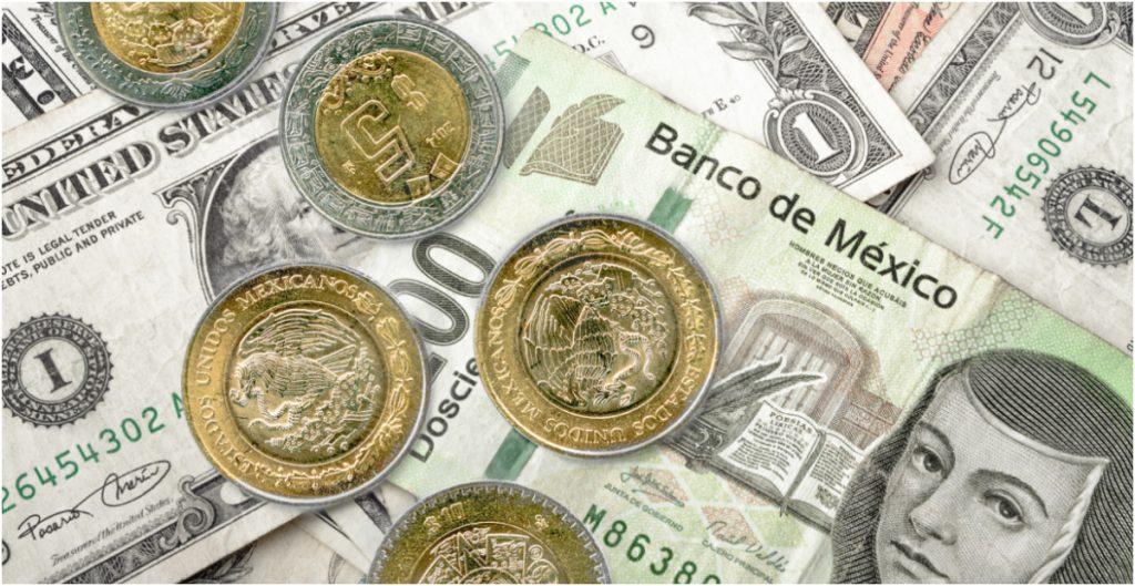 BMV cae ante incertidumbre económica en EU; dólar cierra en 20.97 pesos