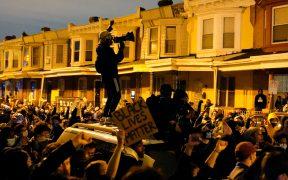 Protestan en Philadelphia por muerte de afroamericano a manos de la policía