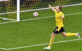 Erling Haaland celebra su gol con el Borussia Dortmund, en el triunfo sobre el Zenit.