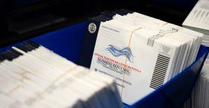 Millones de boletas por correo aún no han sido devueltas en estados clave