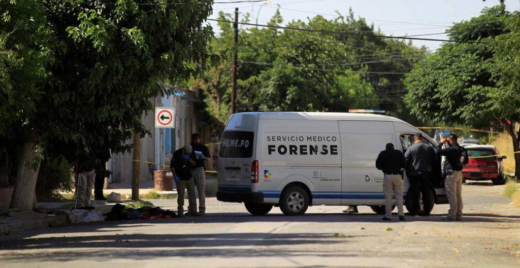 Hallan cuerpos de seis hombres y dos mujeres en calles de Chihuahua