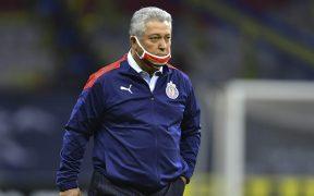 Víctor Manuel Vucetich, técnico de Chivas.