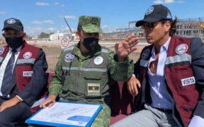 Roberto Palazuelos recorre las obras del Aeropuerto de Santa Lucía junto a militares