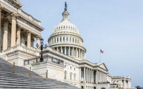 Demócratas se dirigen hacia el control de la Cámara; pierden a titulares ante republicanos