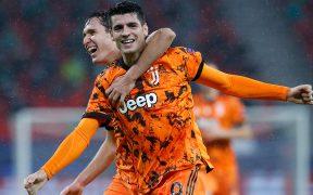 Álvaro Morata celebra uno de sus dos goles en el triunfo de Juventus sobre Ferencvaros.