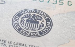 Fed mantiene intacta su política monetaria; las tasas de interés siguen cerca del 0%