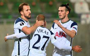Harry Kane celebra su gol 200 con el Tottenham, que venció 1-3 al Ludogorets.