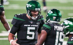 Joe Flacco celebra una anotación con los Jets que le permite superar a Joe Montana como el vigésimo mejor pateador de la NFL.