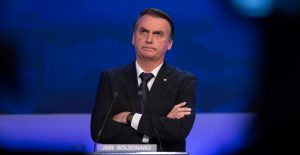 Bolsonaro pide a ciudadanos no ser maricas y defender la economía