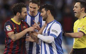 Fábregas discute con Vela, a quien considera un fenómeno tras coincidir en el Arsenal hace 15 años. Foto: EFE.