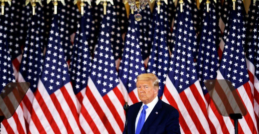 Reportan otros dos contagios de Covid-19 entre asistentes a la fiesta de Trump el día de la elección
