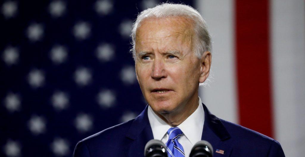 Activistas critican nombramiento de funcionaria de Obama en equipo de Biden