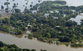 """El presidente Andrés Manuel López Obrador dijo este lunes que él propuso el desfogue de la presa Peñitas para evitar que Tabasco se hubiera ido a """"pique"""" por las inundaciones."""