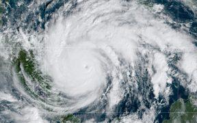 Huracán Iota se degrada a categoría 4 tras tocar tierra en Nicaragua