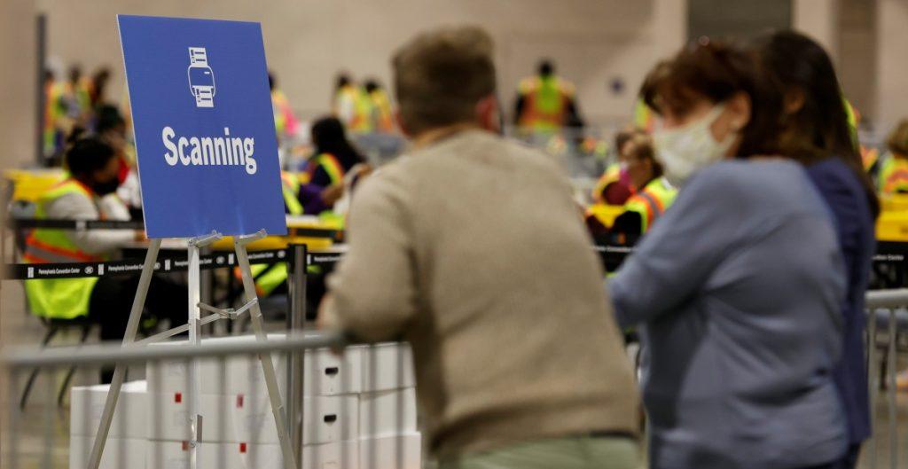Corte Suprema de Pennsylvania rechaza quejas de Trump sobre observadores electorales