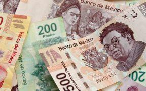Peso mexicano gana por optimismo tras ensayo de vacuna contra Covid